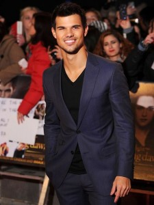 3e9c9b6fd9_taylor-lautner-twilight-breaking-dawn-part-2-london-premiere-pic2.jpg